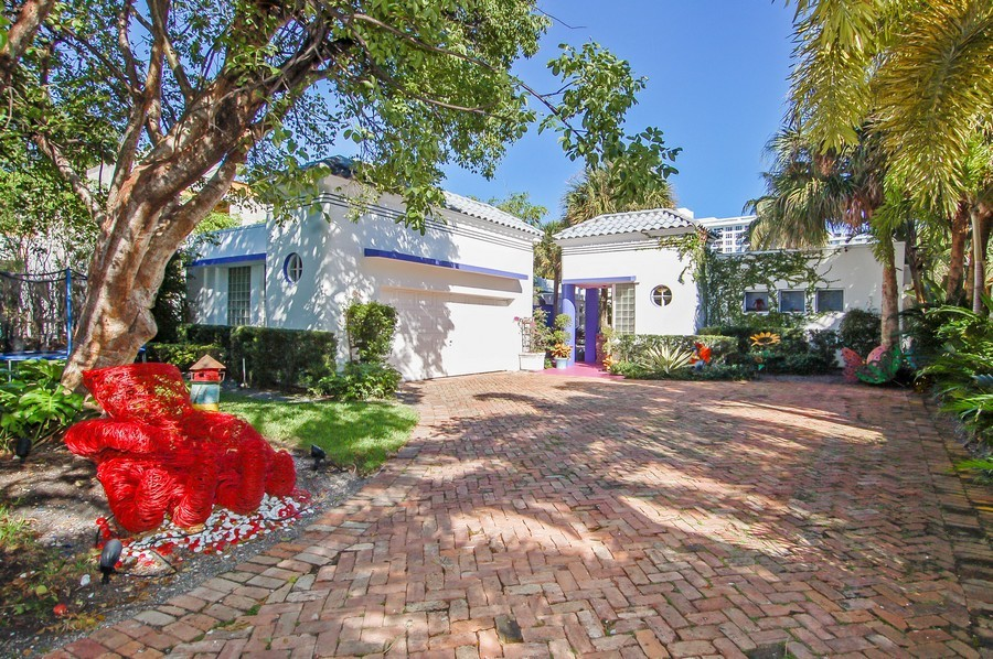 Real Estate Photography - 5777 Pinetree Drive, Miami Beach, FL, 33140 - Front View
