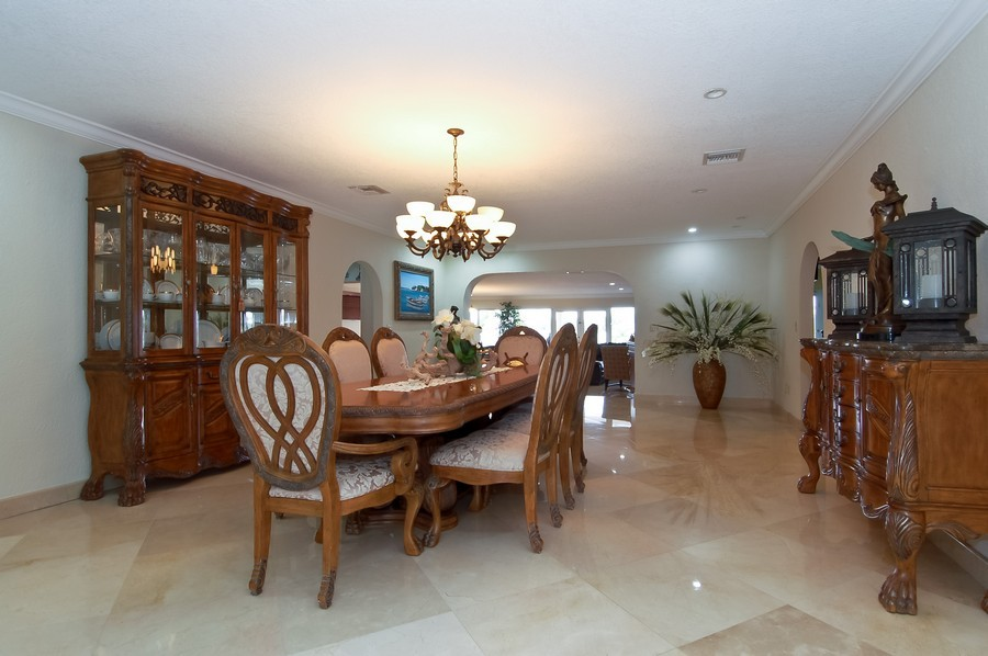 Real Estate Photography - 1121 Stillwater, Miami Beach, FL, 33141 - Dining Room