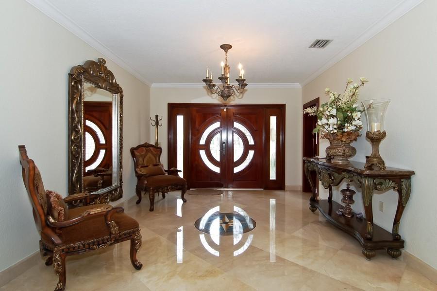 Real Estate Photography - 1121 Stillwater, Miami Beach, FL, 33141 - Foyer