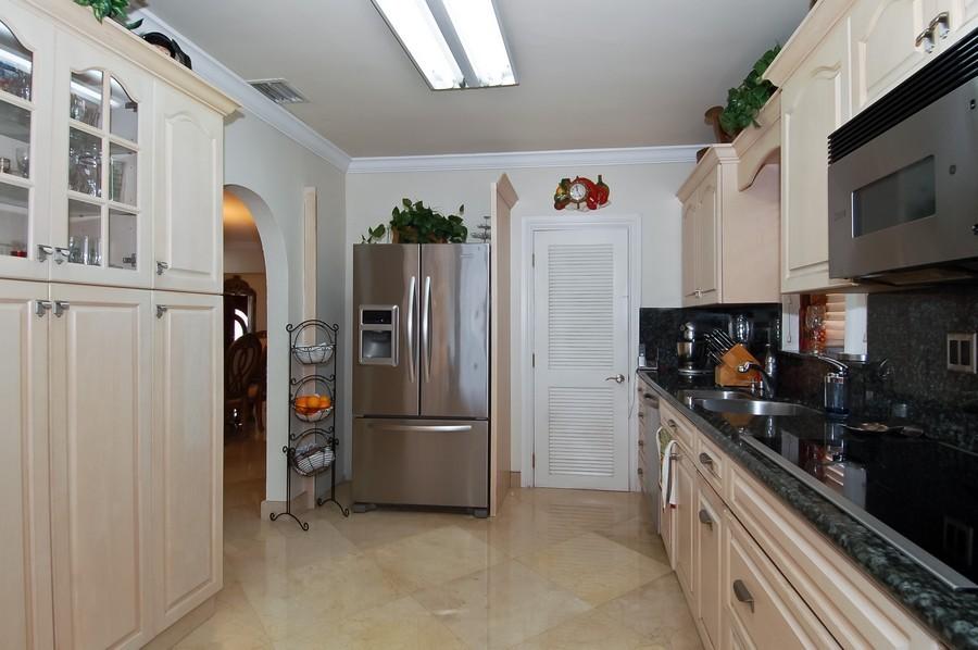 Real Estate Photography - 1121 Stillwater, Miami Beach, FL, 33141 - Kitchen