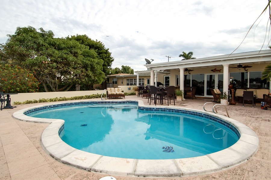 Real Estate Photography - 1121 Stillwater, Miami Beach, FL, 33141 - Rear View