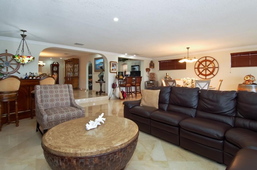 Real Estate Photography - 1121 Stillwater, Miami Beach, FL, 33141 - Kitchen / Living Room