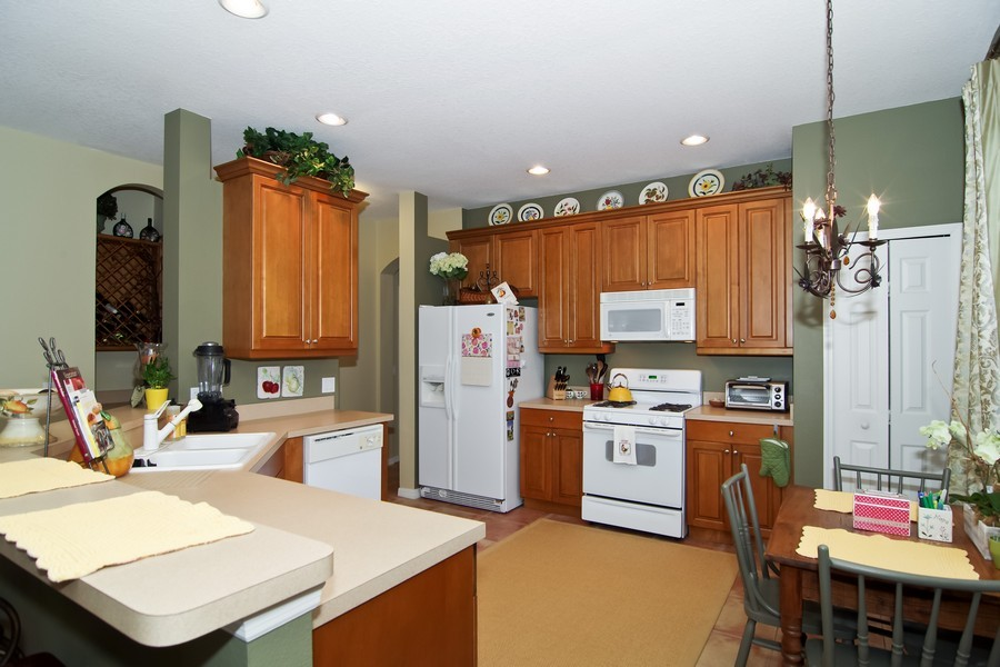 Real Estate Photography - 13160 Sunkiss Loop, Windermere, FL, 34786 - Kitchen