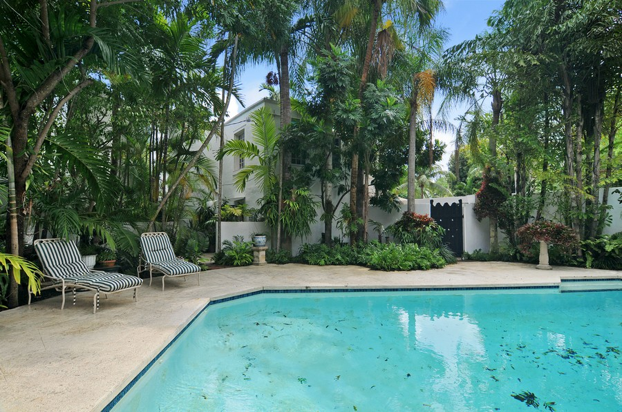 Real Estate Photography - 6705 San Vicente Street, Coral Gables, FL, 33146 - Guest House