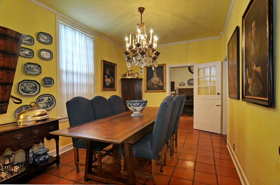 Real Estate Photography - 6705 San Vicente Street, Coral Gables, FL, 33146 - Kitchen / Dining Room