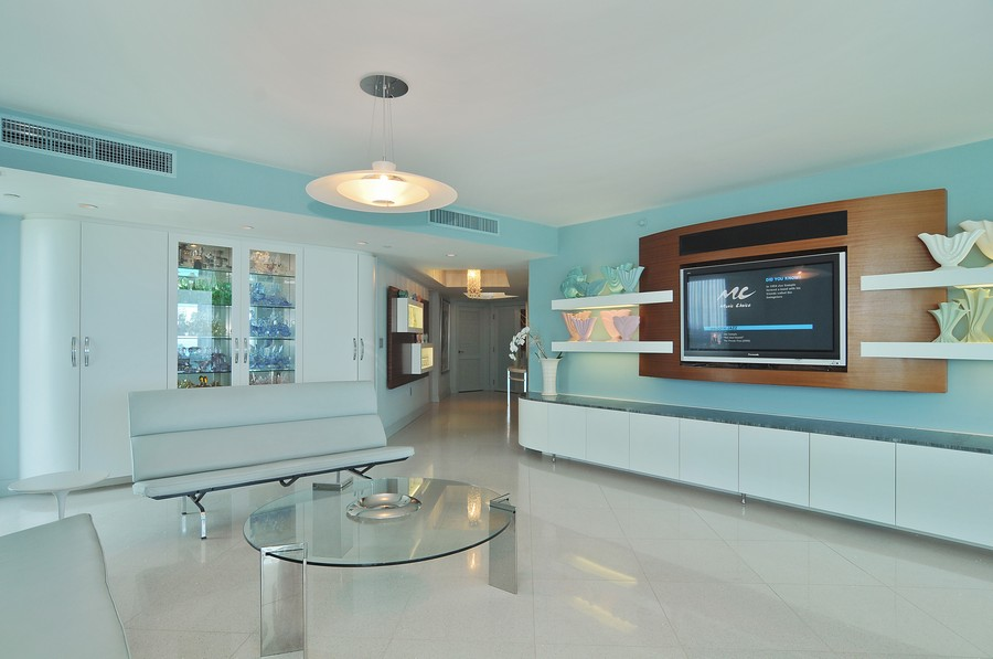 Real Estate Photography - 9401 Collins Ave, Unit 906, Surfside, FL, 33154 - Foyer/Living Room