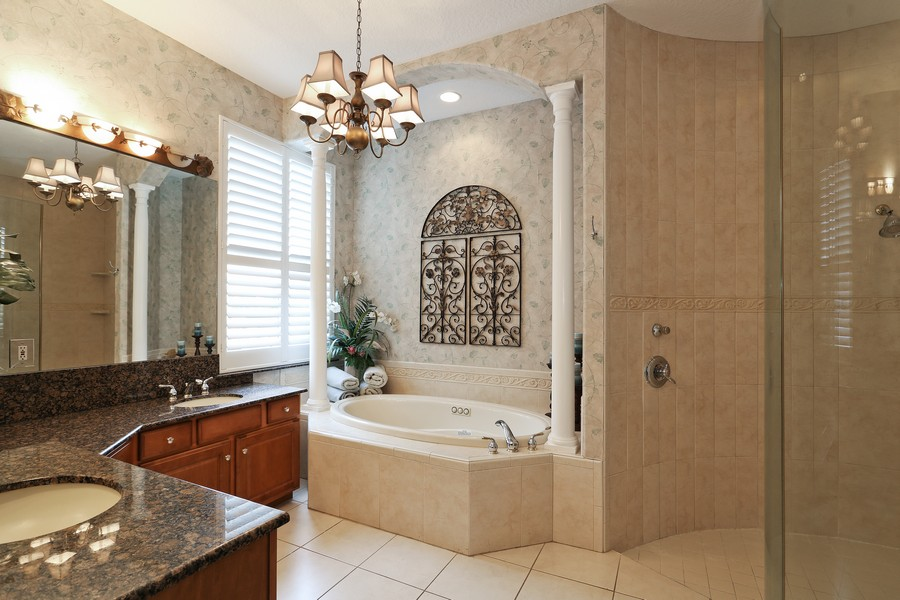 Real Estate Photography - 21 Spanish Main St, Tampa, FL, 33609 - Master Bathroom