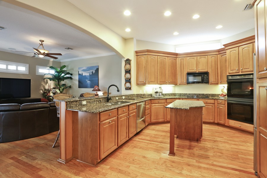 Real Estate Photography - 21 Spanish Main St, Tampa, FL, 33609 - Kitchen