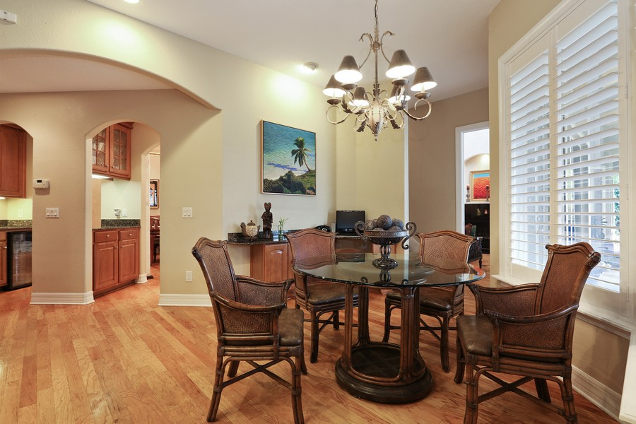 Real Estate Photography - 21 Spanish Main St, Tampa, FL, 33609 - Breakfast Nook