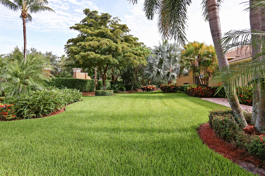 Real Estate Photography - 16313 Braeburn Ridge Trl, Delray Beach, FL, 33446 - Side Yard