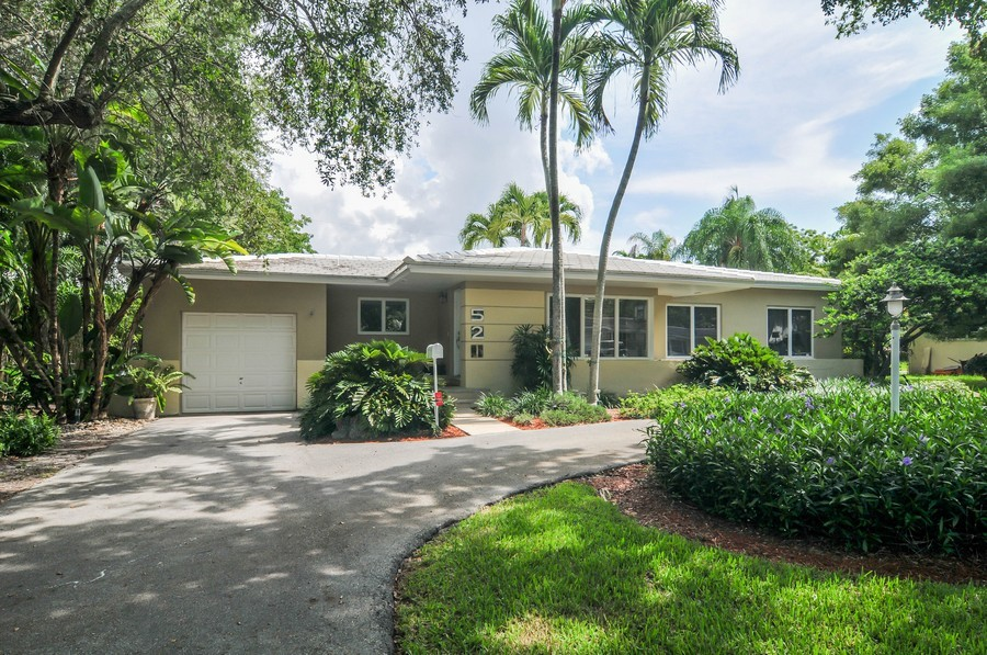 Real Estate Photography - 521 San Juan, Coral Gables, FL, 33143 - Front View