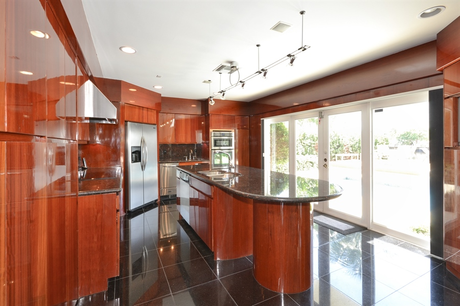 Real Estate Photography - 290 SE 28th Ave, Pompano Beach, FL, 33062 - Kitchen