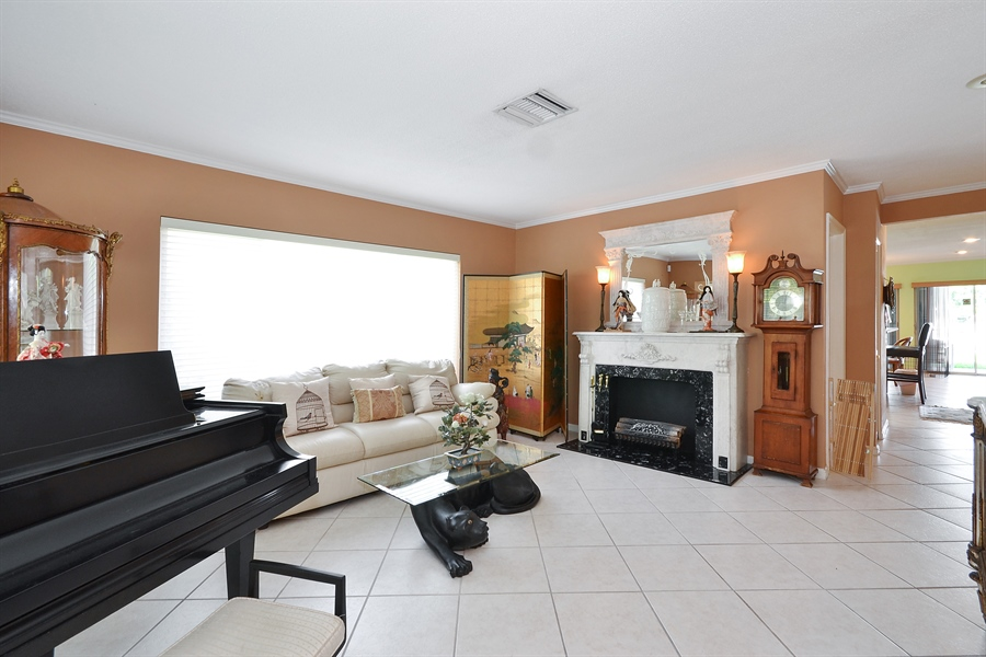 Real Estate Photography - 211 S Riverside Dr, Pompano Beach, FL, 33062 - Living Room