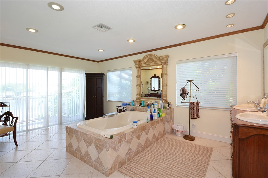 Real Estate Photography - 211 S Riverside Dr, Pompano Beach, FL, 33062 - Master Bathroom