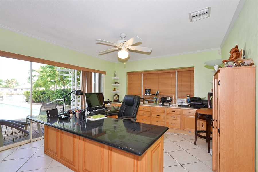 Real Estate Photography - 211 S Riverside Dr, Pompano Beach, FL, 33062 - Office