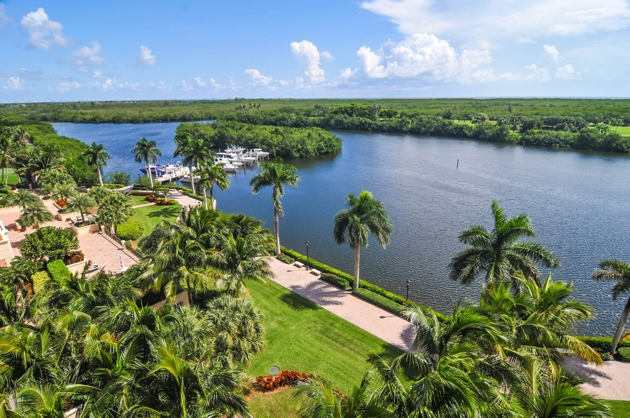 Real Estate Photography - 13627 Dearing Bay Dr, Unit 701, Coral Gables, FL, 33158 - Lagoon View