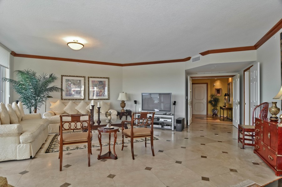 Real Estate Photography - 13627 Dearing Bay Dr, Unit 701, Coral Gables, FL, 33158 - Foyer/Living Room