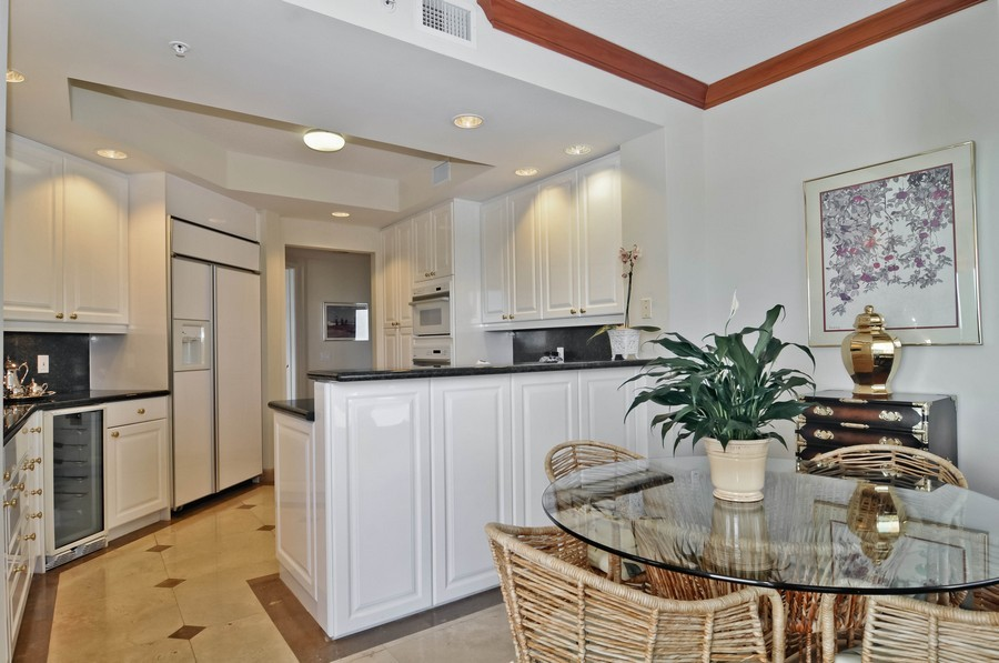 Real Estate Photography - 13627 Dearing Bay Dr, Unit 701, Coral Gables, FL, 33158 - Kitchen / Breakfast Room