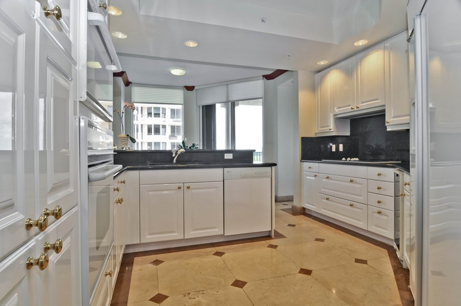 Real Estate Photography - 13627 Dearing Bay Dr, Unit 701, Coral Gables, FL, 33158 - Kitchen