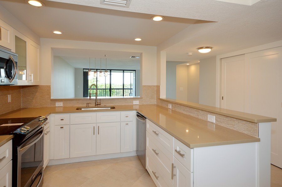 Real Estate Photography - 6530 Boca Del Mar Dr, Boca Raton, FL, 33433 - Kitchen