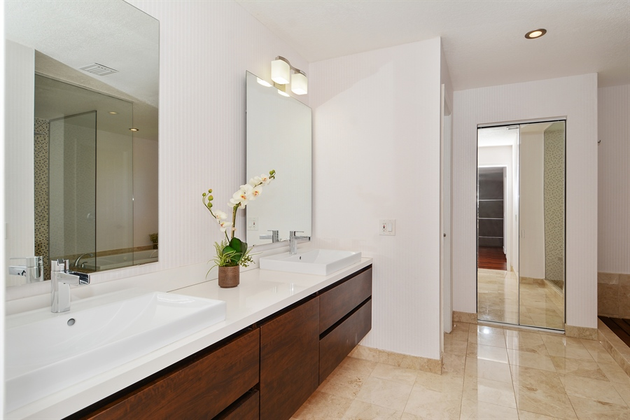 Real Estate Photography - 1289 Leeward Way, Weston, FL, 33327 - Master Bathroom