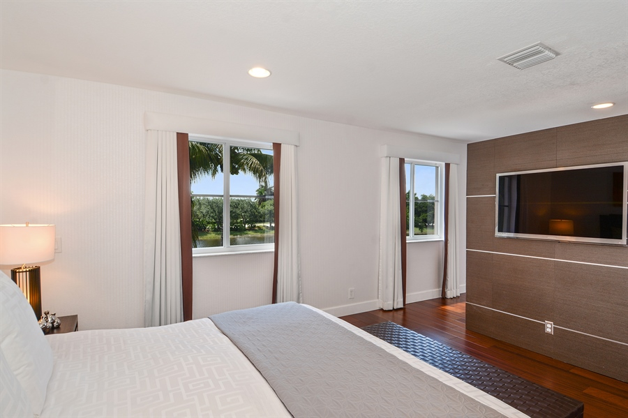 Real Estate Photography - 1289 Leeward Way, Weston, FL, 33327 - Master Bedroom