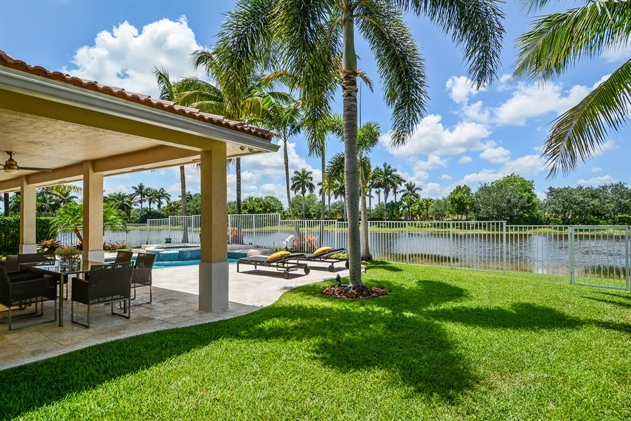 Real Estate Photography - 1289 Leeward Way, Weston, FL, 33327 - Back Yard