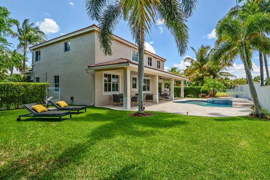 Real Estate Photography - 1289 Leeward Way, Weston, FL, 33327 - Rear View
