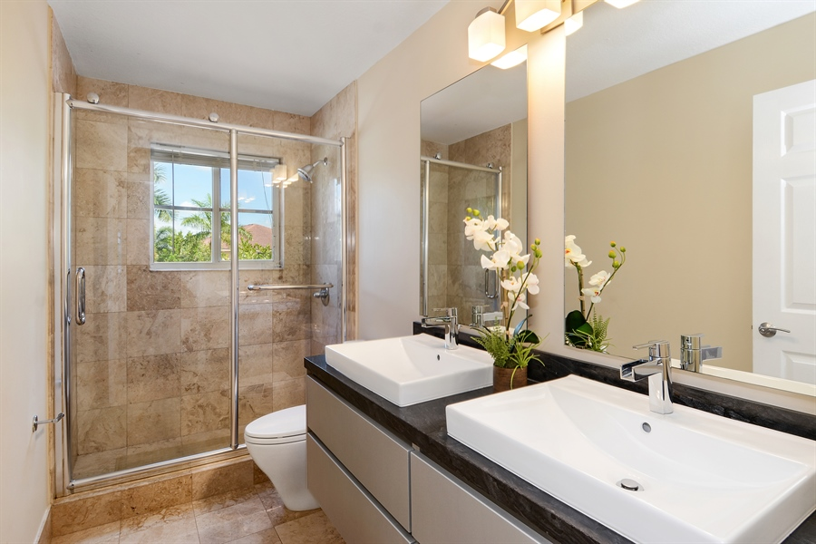 Real Estate Photography - 1289 Leeward Way, Weston, FL, 33327 - Bathroom
