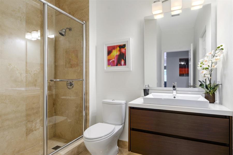 Real Estate Photography - 1289 Leeward Way, Weston, FL, 33327 - 2nd Bathroom