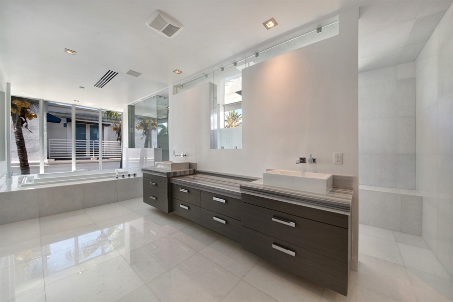 Real Estate Photography - 300 Royal Plaza Dr, Fort Lauderdale, FL, 33301 - Master Bathroom