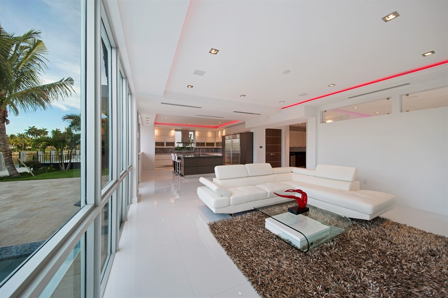 Real Estate Photography - 300 Royal Plaza Dr, Fort Lauderdale, FL, 33301 - Living Rm/Family Rm