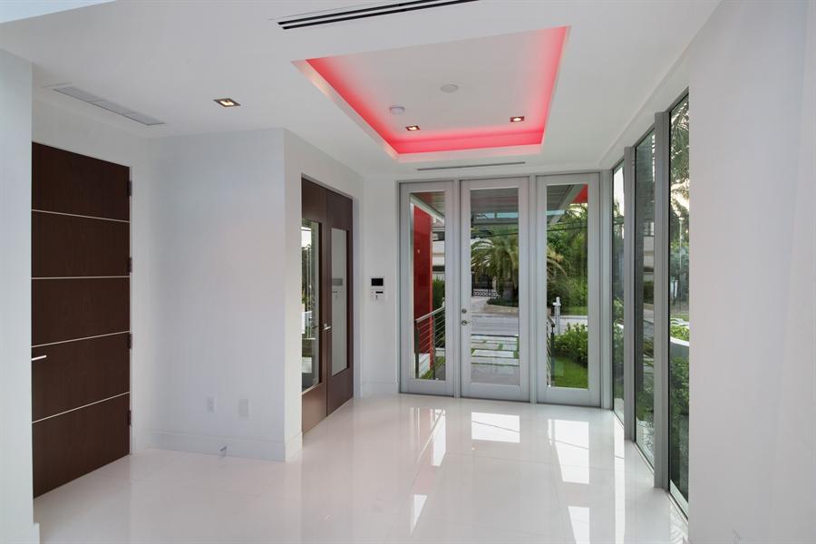 Real Estate Photography - 300 Royal Plaza Dr, Fort Lauderdale, FL, 33301 - Foyer