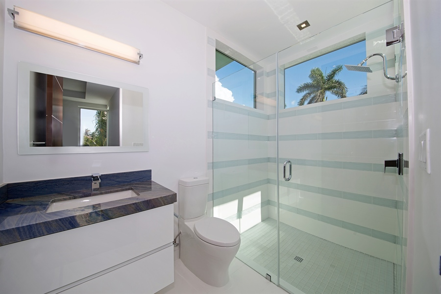 Real Estate Photography - 300 Royal Plaza Dr, Fort Lauderdale, FL, 33301 - Bathroom