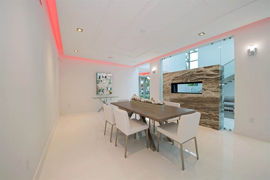 Real Estate Photography - 300 Royal Plaza Dr, Fort Lauderdale, FL, 33301 - Dining Area