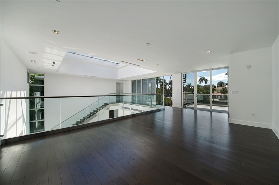 Real Estate Photography - 300 Royal Plaza Dr, Fort Lauderdale, FL, 33301 - Loft