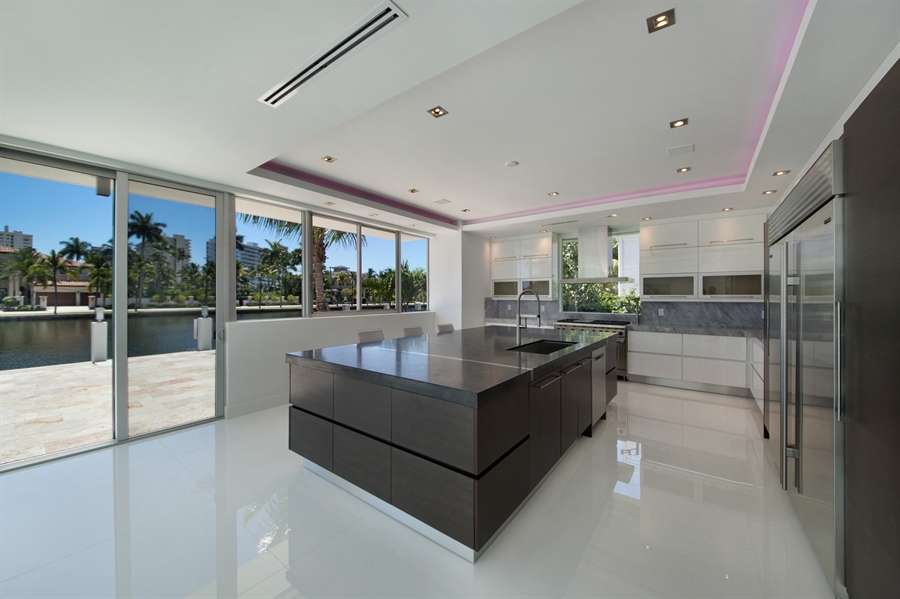 Real Estate Photography - 300 Royal Plaza Dr, Fort Lauderdale, FL, 33301 - Kitchen