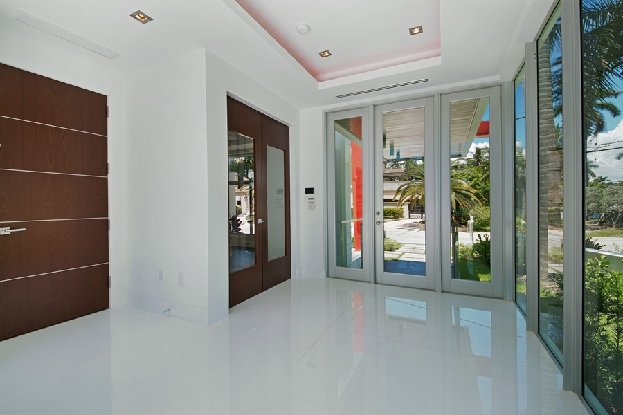 Real Estate Photography - 300 Royal Plaza Dr, Fort Lauderdale, FL, 33301 - Entryway