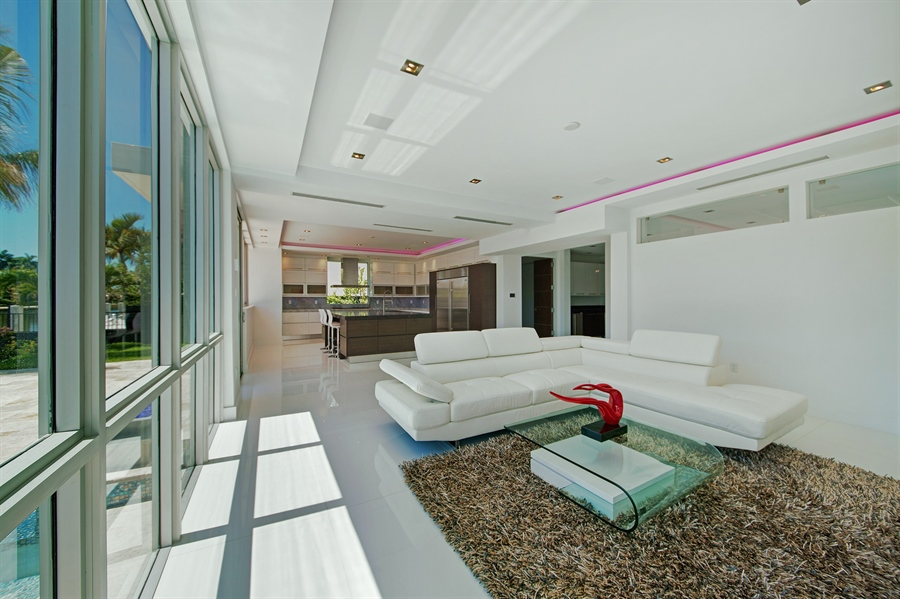 Real Estate Photography - 300 Royal Plaza Dr, Fort Lauderdale, FL, 33301 - Family Room / Dining Room