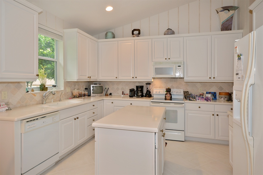 Real Estate Photography - 6190 Island Walk, Unit D, Boca Raton, FL, 33496 - Kitchen