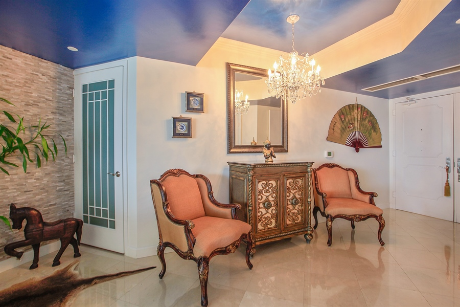 Real Estate Photography - 4779 Collins Ave  Unit 1201, Miami Beach, FL, 33140 - Foyer