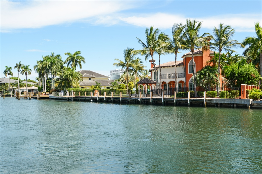 Real Estate Photography - 1645 E Lake Dr, Fort Lauderdale, FL, 33316 - Waterfront