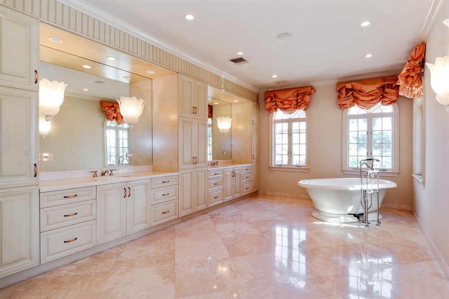 Real Estate Photography - 1645 E Lake Dr, Fort Lauderdale, FL, 33316 - Master Bathroom