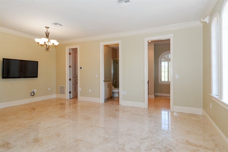 Real Estate Photography - 1645 E Lake Dr, Fort Lauderdale, FL, 33316 - In-Law Suite