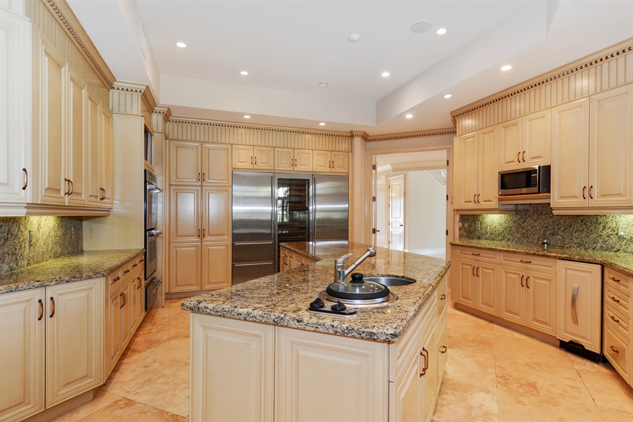 Real Estate Photography - 1645 E Lake Dr, Fort Lauderdale, FL, 33316 - Kitchen