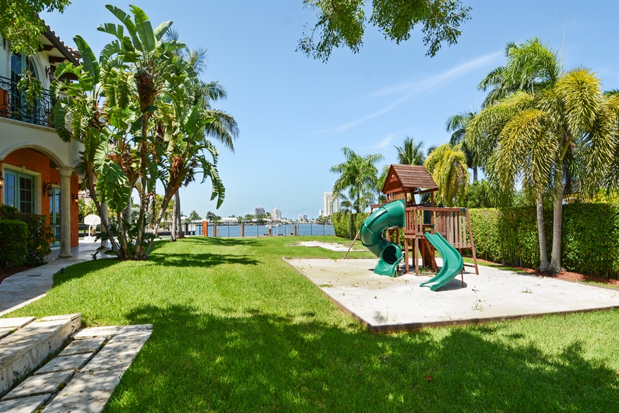 Real Estate Photography - 1645 E Lake Dr, Fort Lauderdale, FL, 33316 - Back Yard
