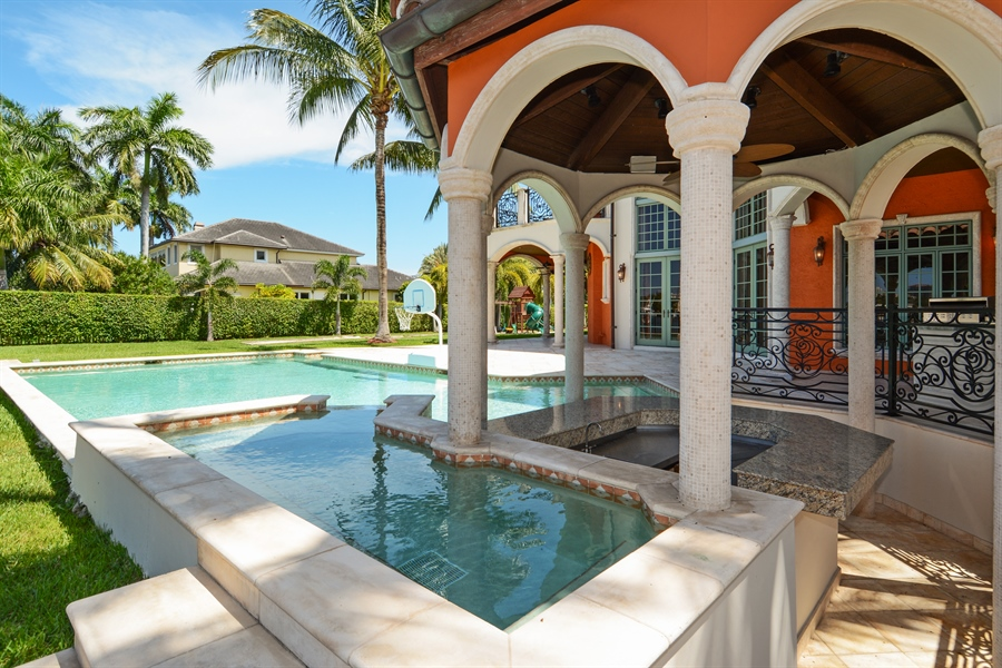 Real Estate Photography - 1645 E Lake Dr, Fort Lauderdale, FL, 33316 - Pool