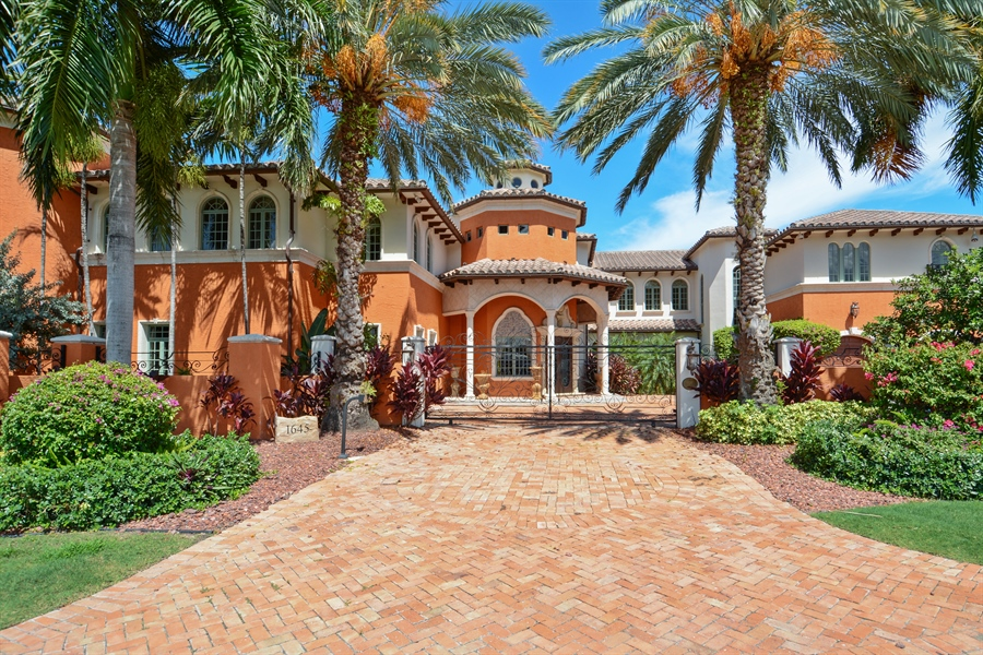 Real Estate Photography - 1645 E Lake Dr, Fort Lauderdale, FL, 33316 - Front View