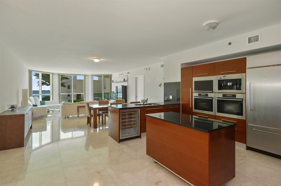 Real Estate Photography - 101 Ft Lauderdale Beach Blvd, Unit 702, Ft Lauderdale, FL, 33316 - Kitchen / Dining Room