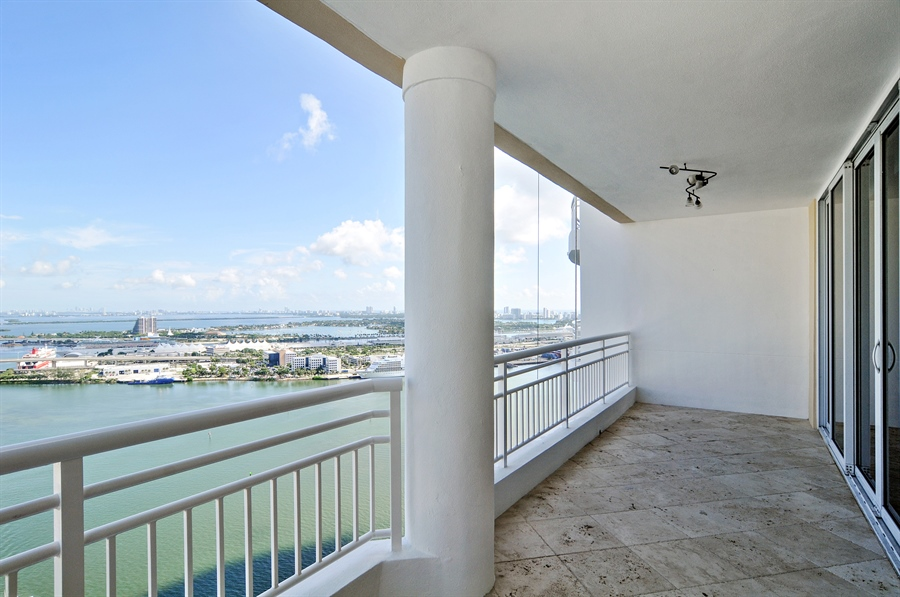 Real Estate Photography - 848 Brickell Key Dr, Unit 3806, Miami, FL, 33131 - Terrace